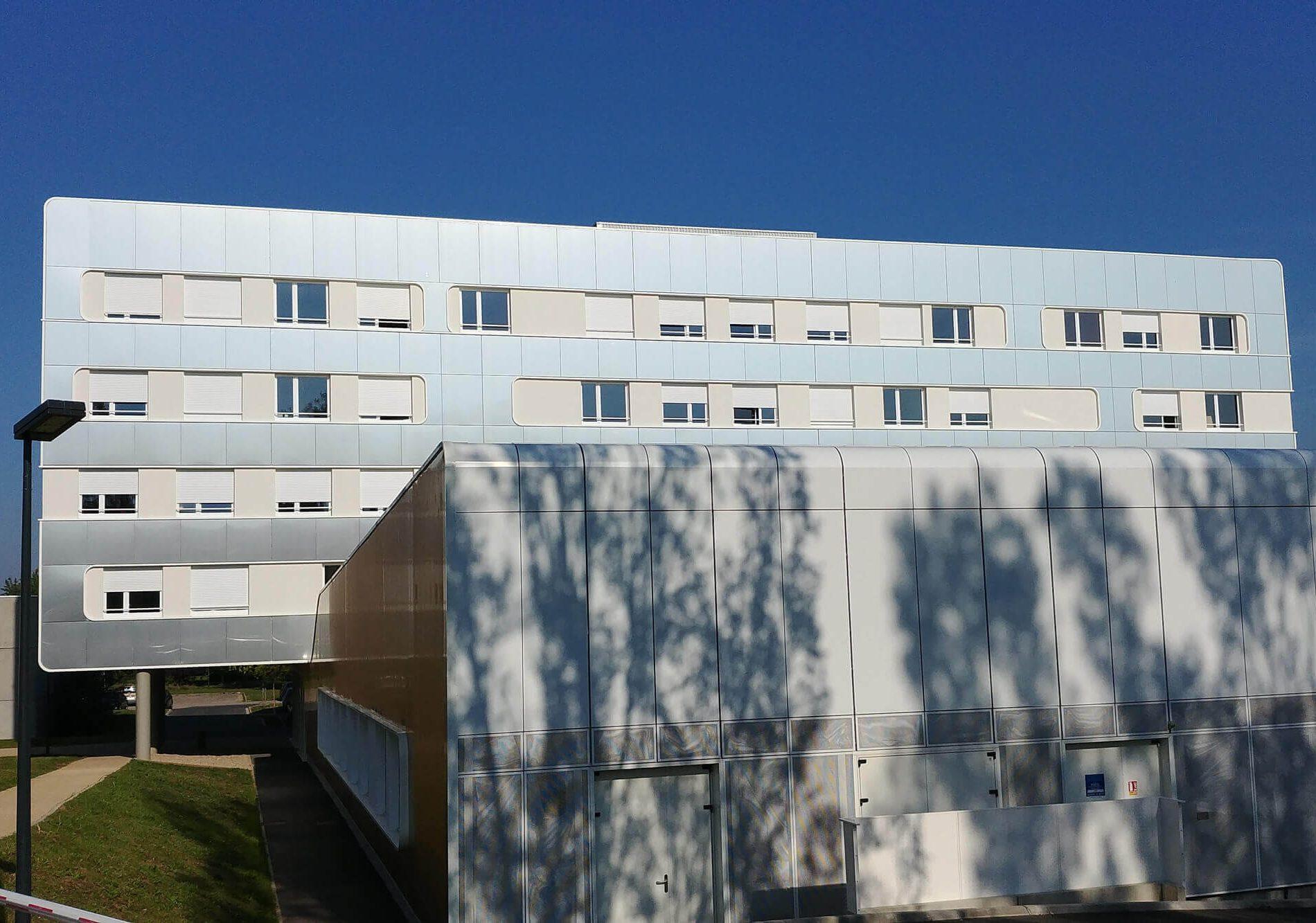 Travaux de bardage rapporté de LEM3 à Metz en Moselle