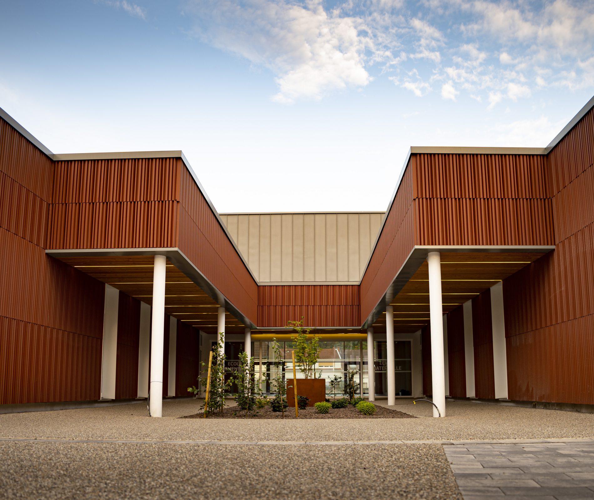Travaux-facade-sur-beton-ecole-Les-Grands-Cedres-Rosbruck-Metz-en-Moselle